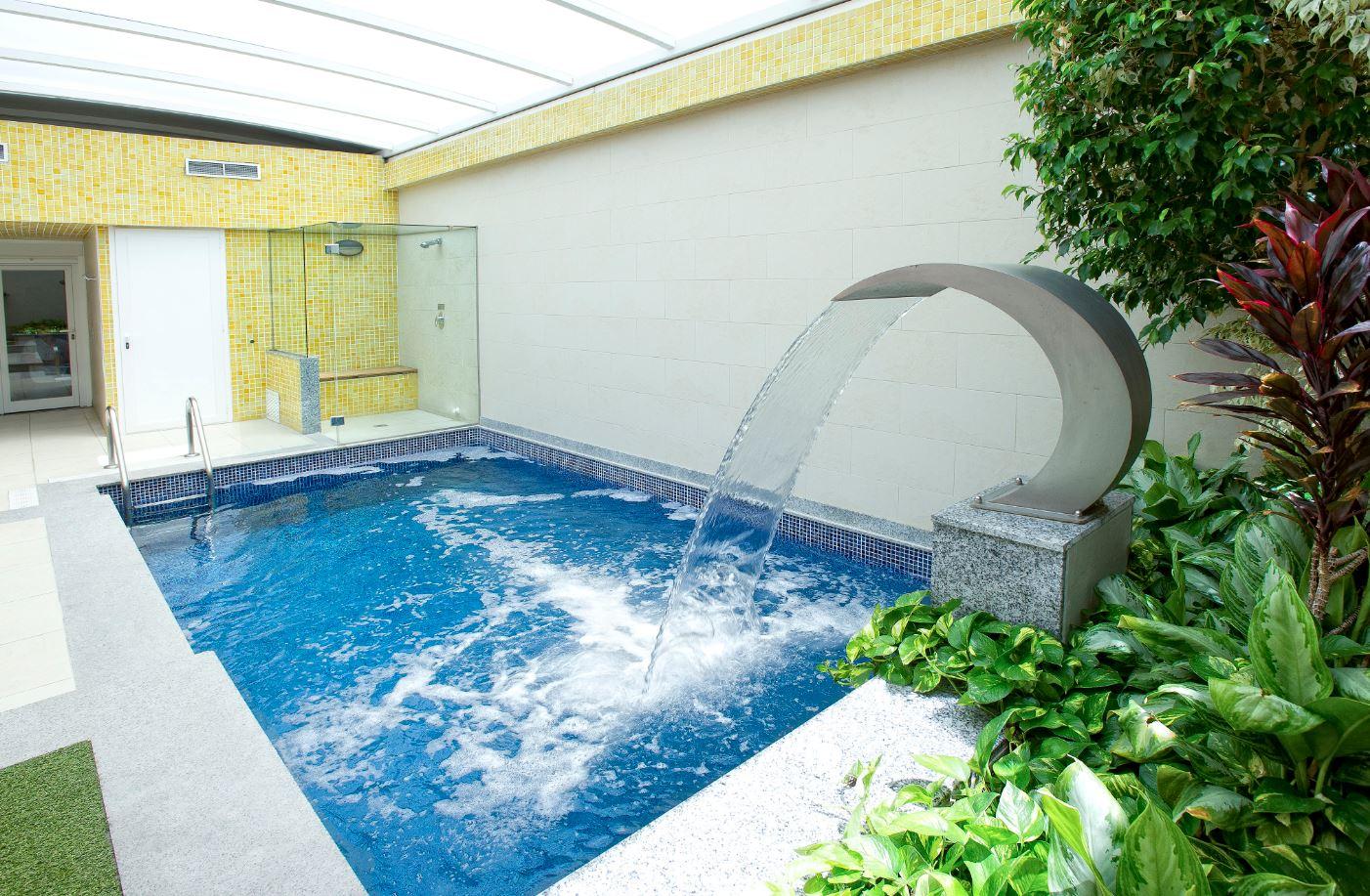 Habitaci n con piscina privada en madrid zouk hotel - Suite con piscina privada madrid ...